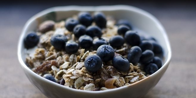 Looking for a new breakfast option that prioritizes taste and nutrition? Try one of favorite our favorite Hallelujah Diet recipes!