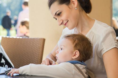 Here are a few postpartum diet tips to consider.