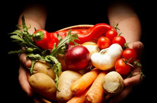 The Hallelujah Diet is broken into a daily consumption of 85 percent living foods and 15 percent cooked foods.
