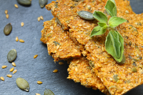dehydrated tomato pumpkin flaxseed crackers
