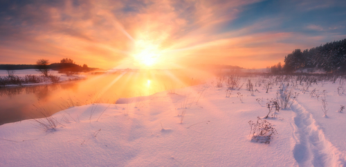 foggy-winter-sunset-over-snow